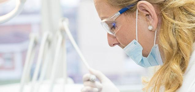 En qué casos debemos acudir de urgencia a un dentista